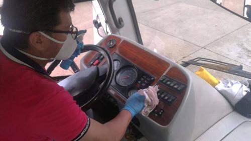 Unicauca presta servicio de transporte a personal de la salud
