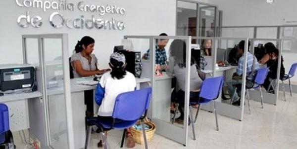 CEO desafía a las comunidades confinadas abusando con tarifas