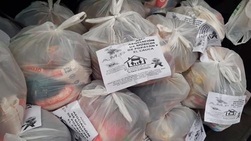 AMP La solidaridad de Popayán llevó mercados a artistas y sus familias