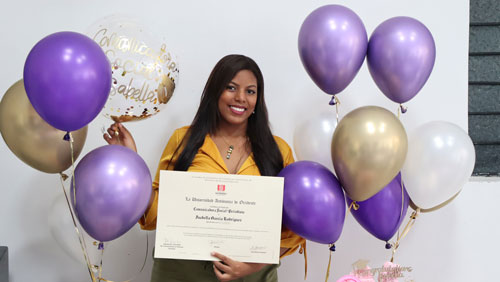 Subdirectora de Proclama Valle se gradúa como Comunicadora social