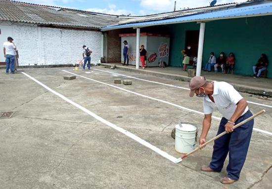 Realizan jornada de limpieza y desinfección en Galería de Caloto