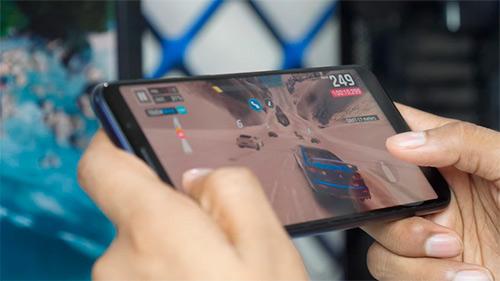 Los jugadores colombianos pasan más de 5 horas al día en su dispositivo móvil
