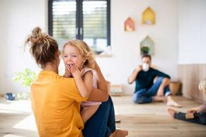 ¿Cómo afecta a los niños la calidad del aire interior de las casas?
