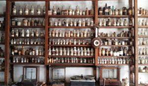 Cuando los boticarios preparaban fórmulas magistrales