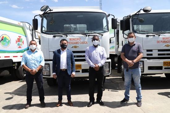 Entregan 4 nuevos carros recolectores de basura para el Cauca