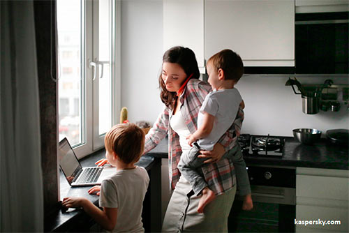 Uno de cada diez padres no sabe si un extraño ha buscado a sus hijos por internet
