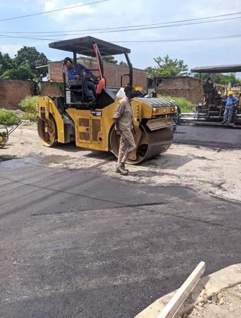 Ejecutan pavimentación de vías en Guachené