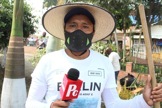 Esaú Morales, líder comerciante del sector de la plazoleta Centro Comercial La Estación