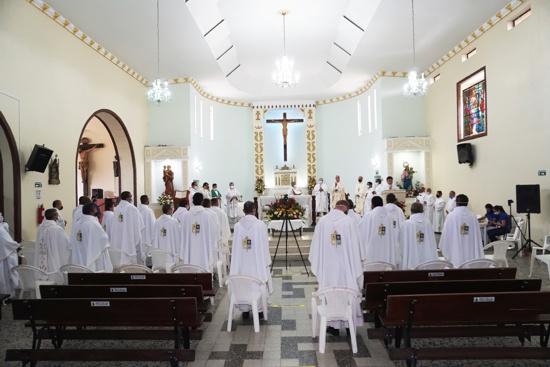 Se realizó la Misa Crismal – Vicaría del Norte