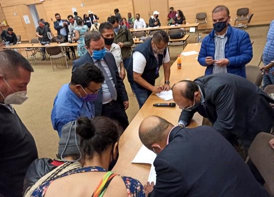 Comunidades campesinas, docentes y gobierno logran acuerdo