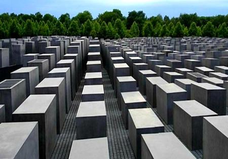 Diversión sobre el Monumento al Holocausto