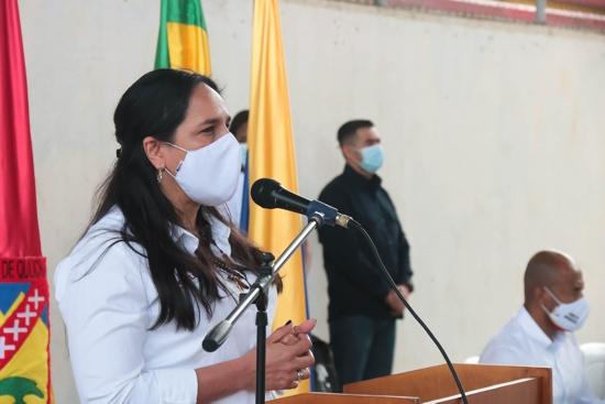 Lucy Amparo Guzmán - Alcaldesa de Santander de Q