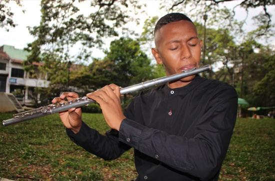 Quilichagüeño vive al ritmo de la flauta - Sergio Valencia