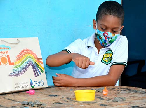 Fundación Gases de Occidente dona 733 kits educativos para estudiantes de Palmira