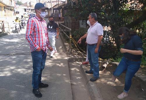 Secretaría de Tránsito continúa recorrido con las comunidades