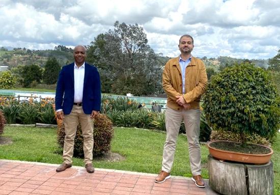 Elmer Abonía - Alcalde de Guachené y Andres Felipe Gómez - Presidente Grupo Familia