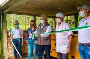 Asociaciones de lecheros de Popayán aumentarán su producción gracias a entrega de maquinaria