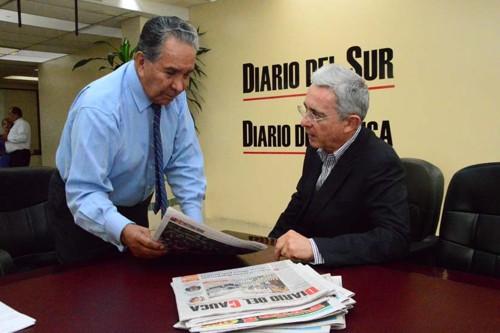 Hernando Suárez Burgos y el expresidente Álvaro Uribe Vélez / Imagen:https://bit.ly/3qfJk9c