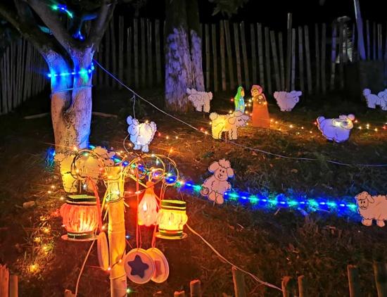 DobleClick y la comunidad, unidos en la cuadra navideña
