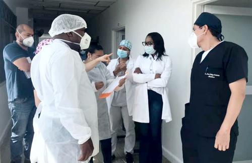El gerente del Hospital Francisco de Paula Santander, médico José Elber Mina Castillo