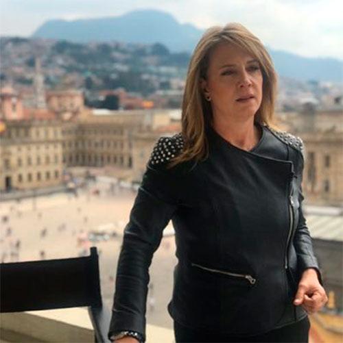 María Elvira Arango y Los informantes