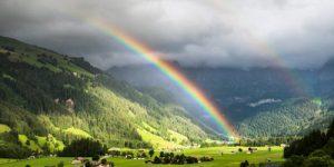 El arcoíris que preñaba