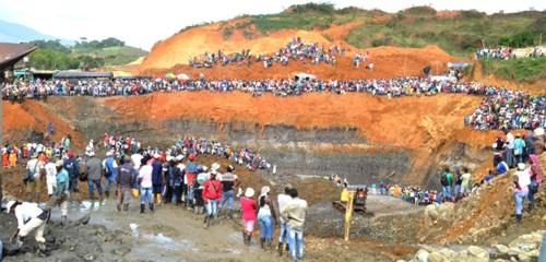 Mueren otras cuatro personas por derrumbe de mina de oro