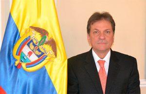 Eduardo José González Angulo: el señor de las vacunas