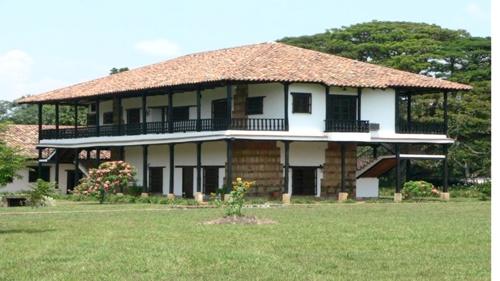 Dos imprecisiones históricas en torno a la hacienda Periconegro