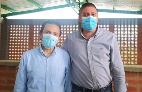 Miguel Ceballos - Alto Comisionado para la Paz junto a Oscar Eduin López - Alcalde de Buenos Aires, Cauca