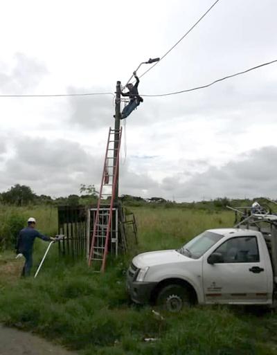 Realizan mantenimiento de alumbrado público en Puerto Tejada