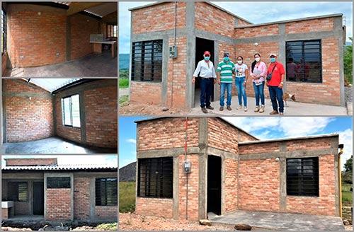 7 familias que vivían en zonas de alto riesgo recibieron su nueva casa