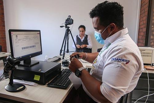 Con éxito se llevó a cabo la primera jornada 2021 de expedición de pasaportes en la Casa Norte de la Gobernación del Cauca