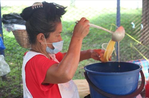 Ruca, una mujer echada pa' delante - Venta de frito en Santander de Quilichao