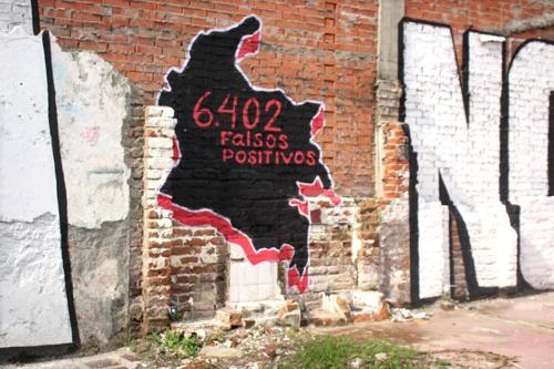 Tu guerra nos desangra - Mural en Santander de Quilichao