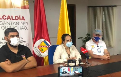 Iván Carvajal, secretario de Gobierno; Lucy Amparo Guzmán, alcaldesa municipal; Luis Velasco V., gerente de Emquilichao E.S.P.