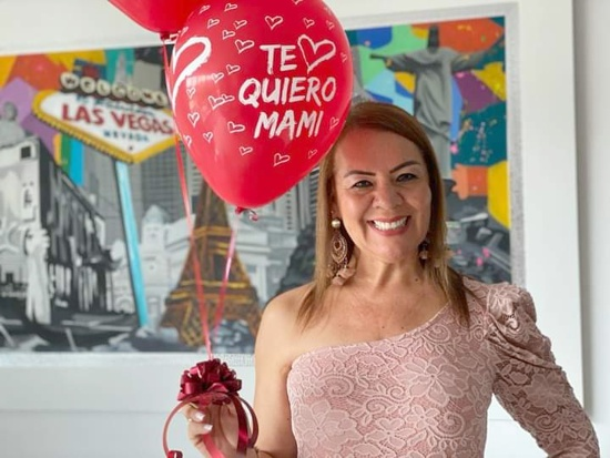 Julieta Ortíz Guerrero, gerente de la Industria Licorera del Cauca celebró su cumpleaños
