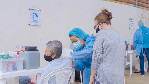 Autoridades sanitarias de Colombia y Cauca respaldan y hacen seguimiento a vacunación contra el COVID-19