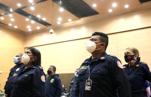 Bomberos del Cauca recibieron dotación para fortalecer su labor