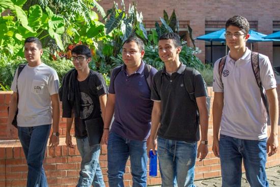 Conexión U lanza nueva convocatoria para otorgar 15 becas universitarias