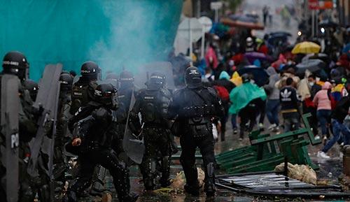 Prohibido el uso del arma Venom para control de protestas