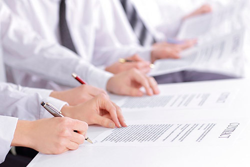 Actualícese en el marco jurídico y comercial