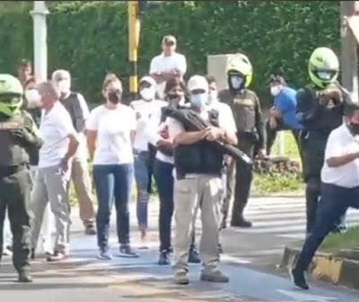 DOS MESES DE RESISTENCIA FRENTE A LA BARBARIE