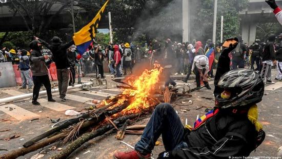 Protestar en Colombia es un delito: Expulsada alemana que apoyó el Paro Nacional