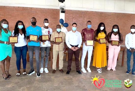 Reconocimiento a destacados jóvenes deportistas de Villa Rica