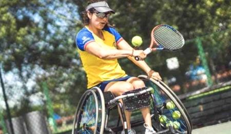 Una silla de ruedas para la campeona Johana Martínez