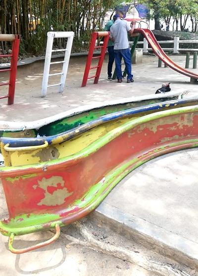 Recuperan parque infantil en Santander de Quilichao.