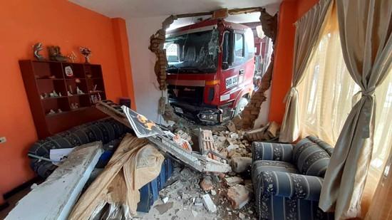 Volqueta quedó incrustada en una vivienda en medio de atraco en Miranda - Cauca